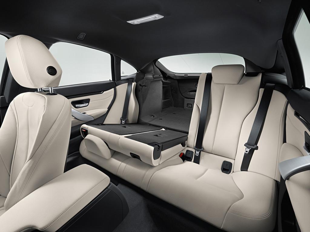 Die Rücksitzlehne des BMW 4er Gran Coupé im Fond