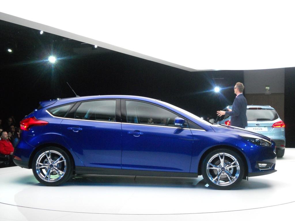 2014 Ford Focus als fünftürige Limousine in blau