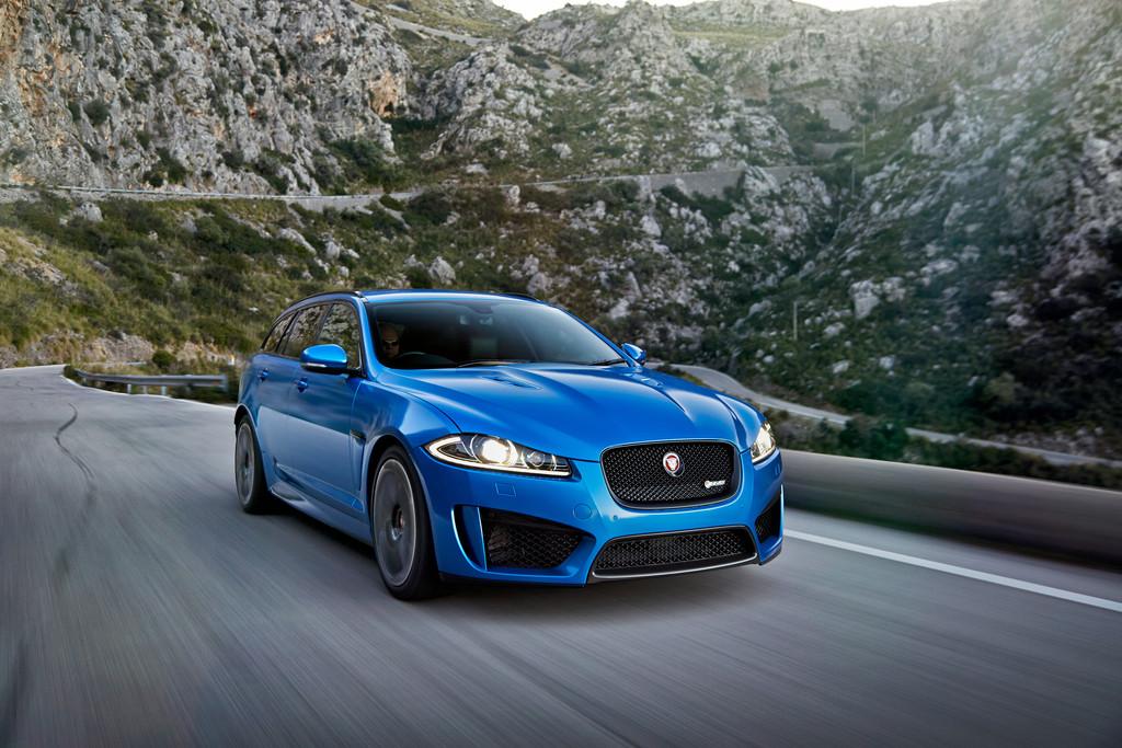 Der Grill des Jaguar XFR-S Sportbrake