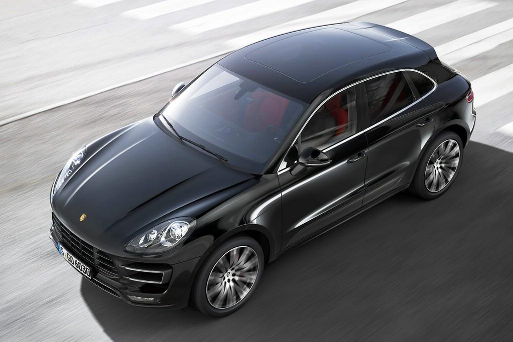 Das Kompakt-SUV Porsche Macan in der Außenfarbe schwarz