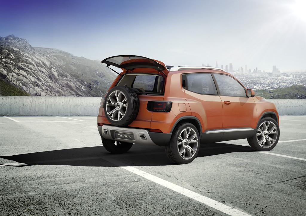2014er Studie VW Taigun in der Außenfarbe Orange, Standaufnahme