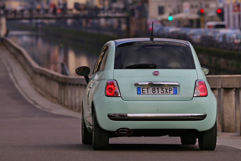 Die Rückleuchten des kleinen Fiat 500 Cult
