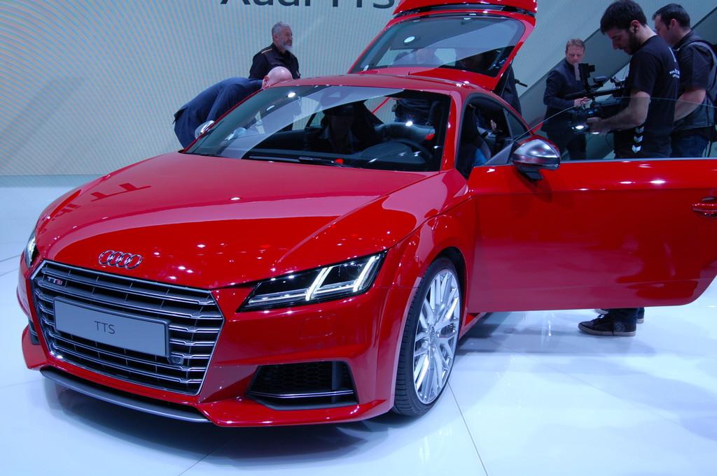2014 Audi TT in rot auf dem Genfer Autosalon