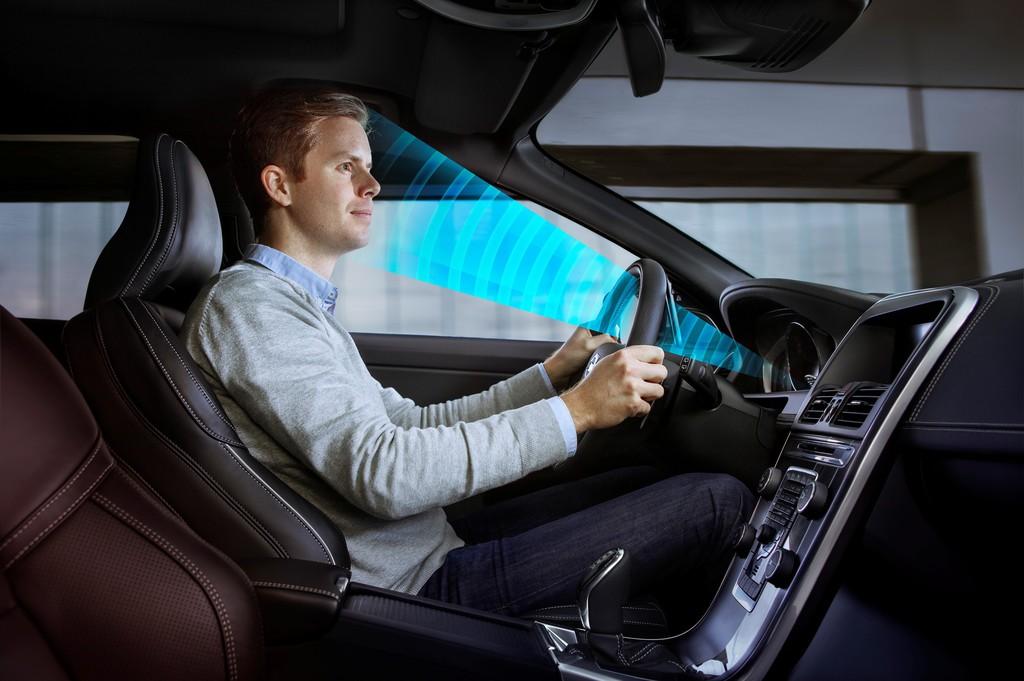 Volvo Sensoren überwachen den Fahrer