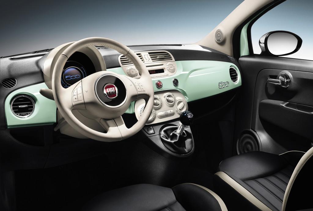 Innenraum: Die Sitze, das Cockpit des Fiat 500 Cult