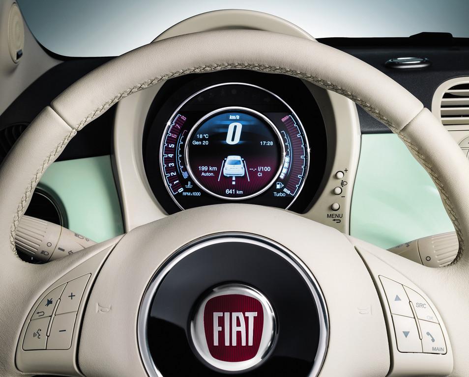 TFT-Monitor des neuen Fiat 500 Cult