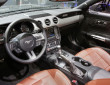 Der Innenraum des Ford Mustang mit Sync an Bord