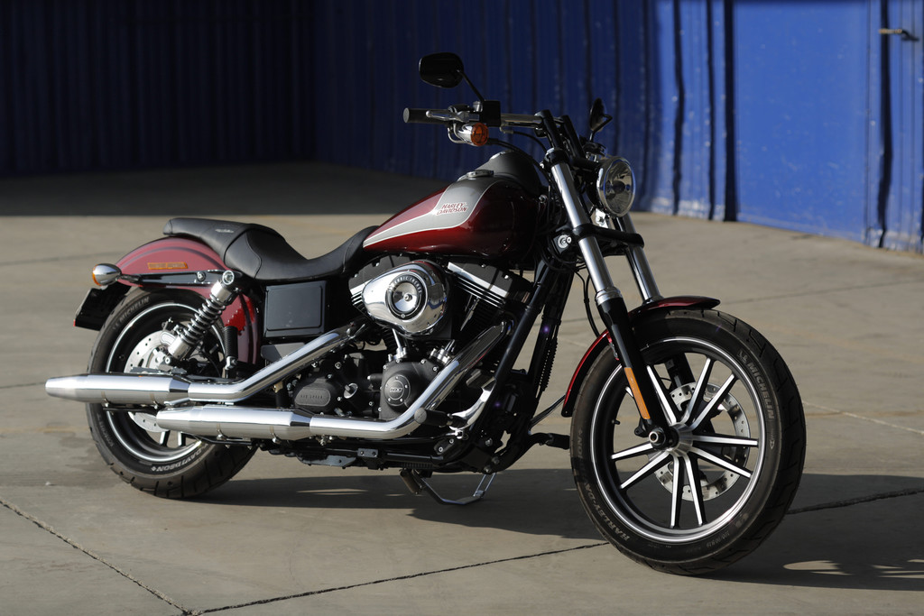 Harley-Davidson Custombike Street Bob Special Edition mit 57 KW