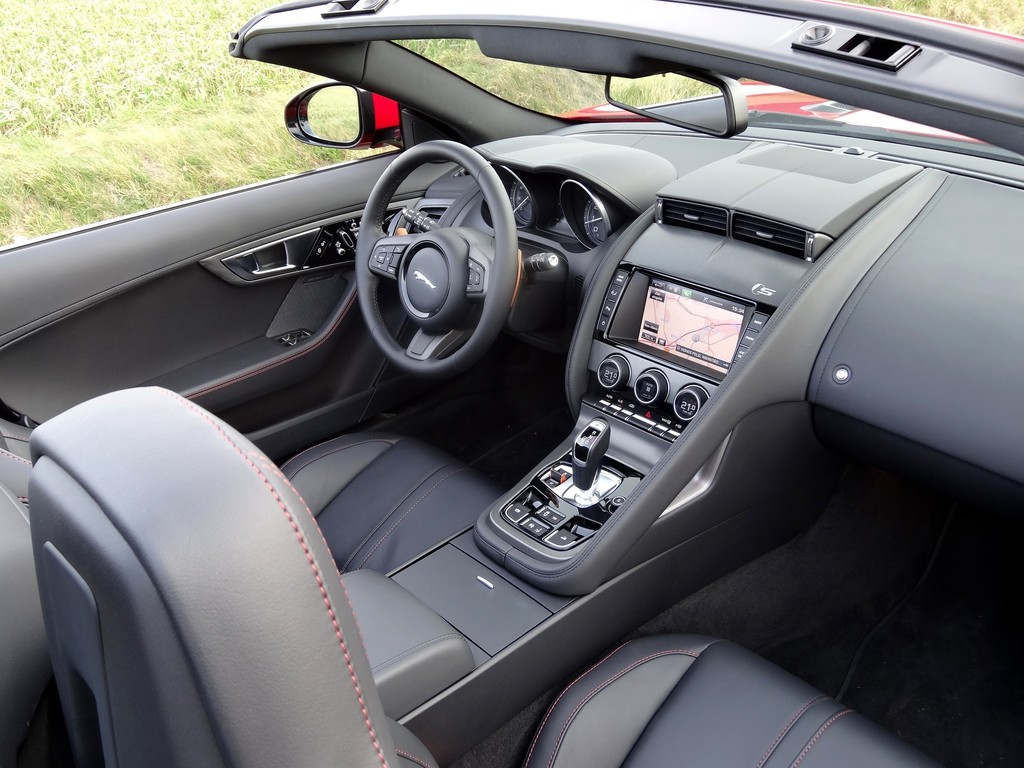 Das Innenleben des Jaguar F-Type Roadster