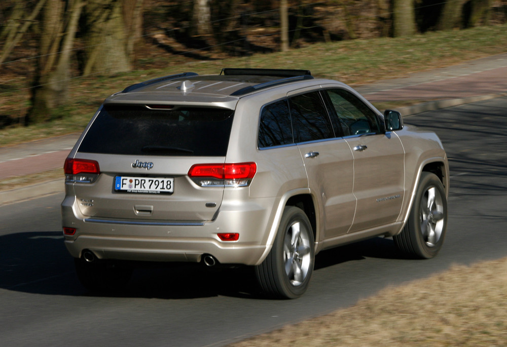 Die Heckpartie des Jeep Grand Cherokee Overland