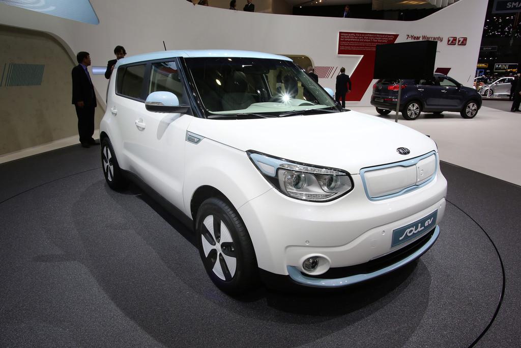 Kia präsentiert den neuen Soul EV auf Autosalon Genf 2014