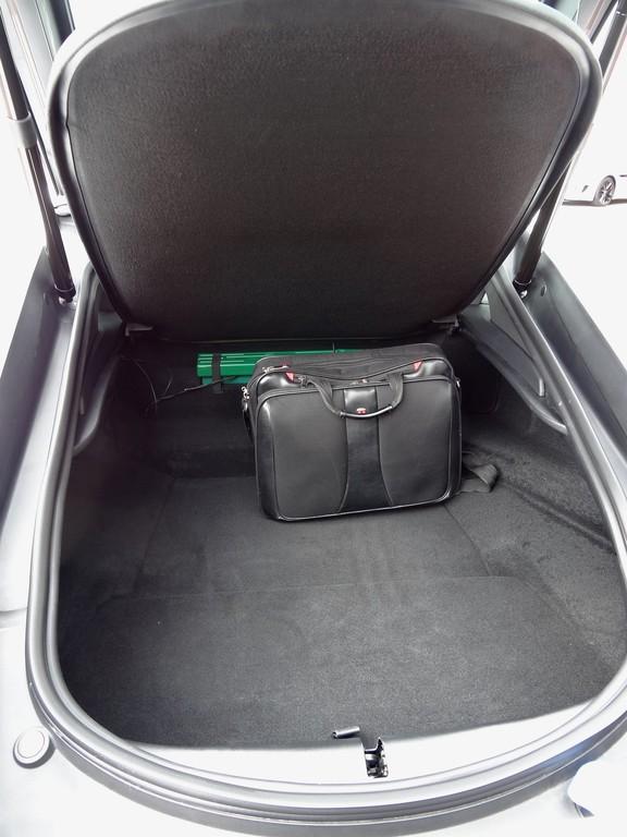 Der Kofferraum des Jaguar F-Type S Coupé