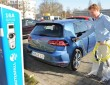 Der neue VW E-Golf beim laden