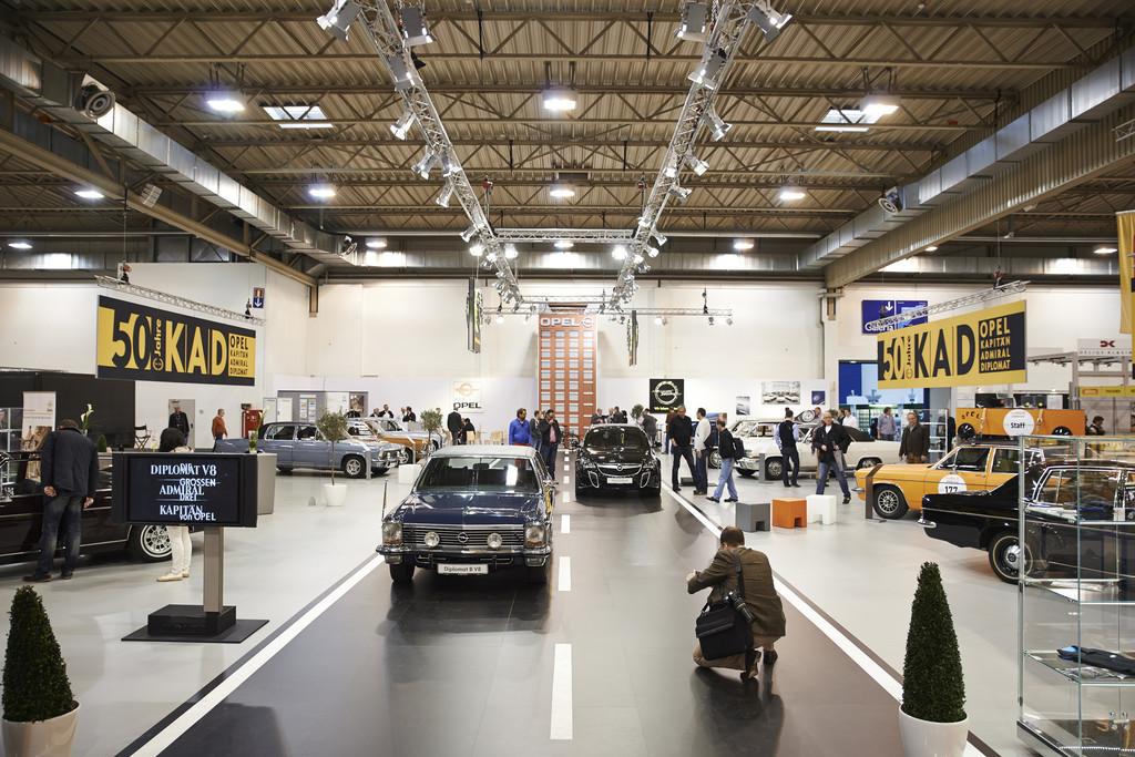 Opel Diplomat B V8 Cabrio auf der Techno Classica 2014