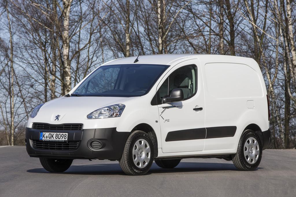 Der Kastenwagen Peugeot Partner Electric fährt rein elektrisch
