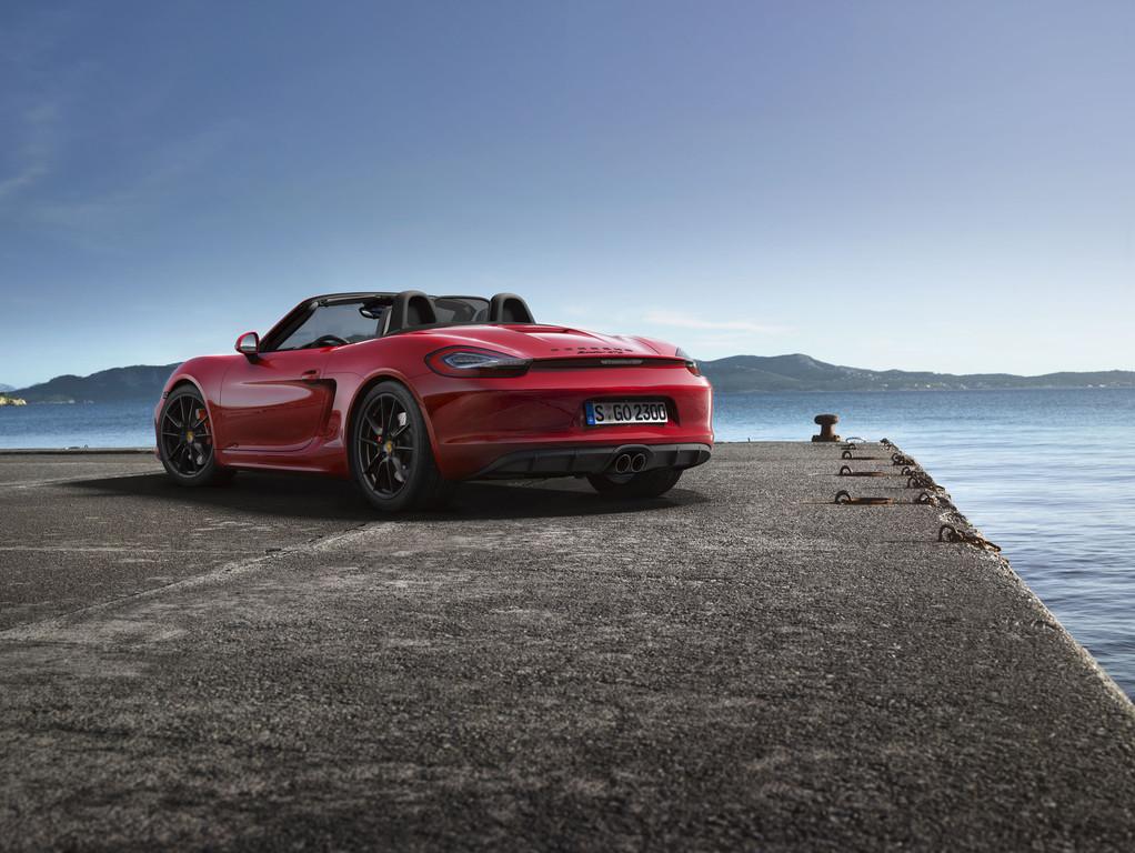 Roter Porsche Boxster GTS Baujahr 2014