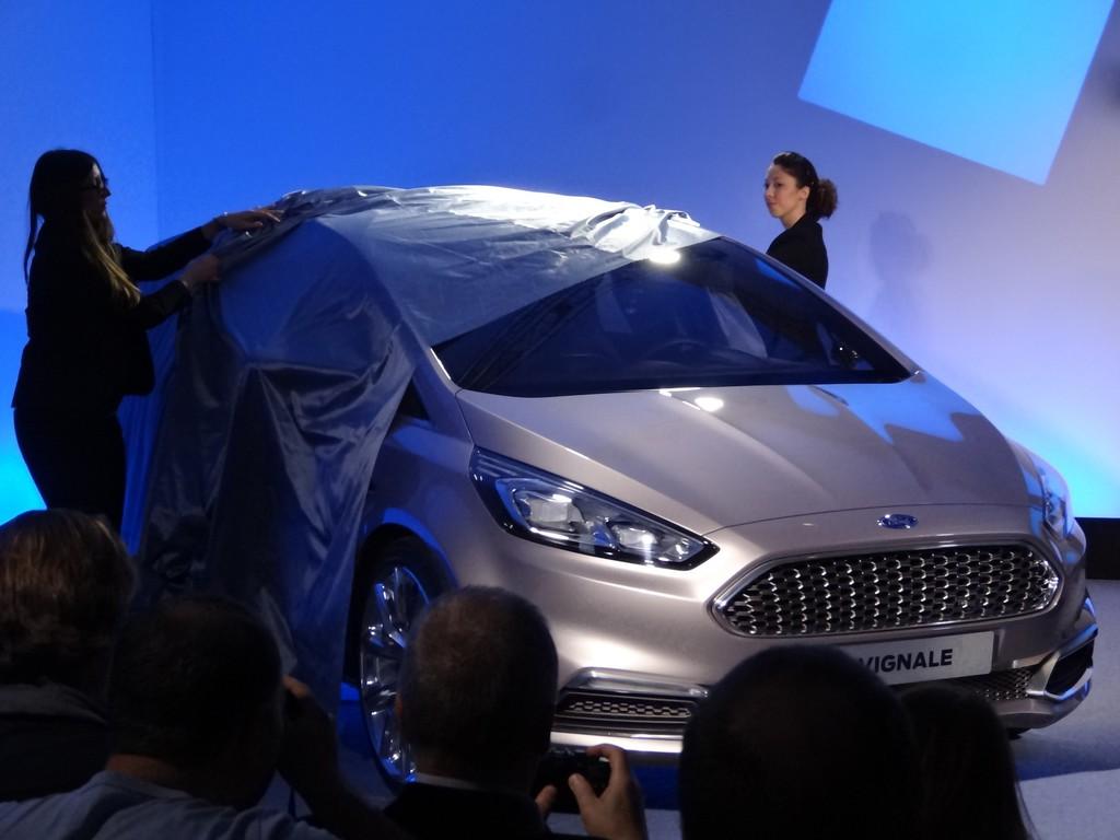 Enthüllung des Ford S-Max Vignale Concept auf der Mailänder Möbelmesse