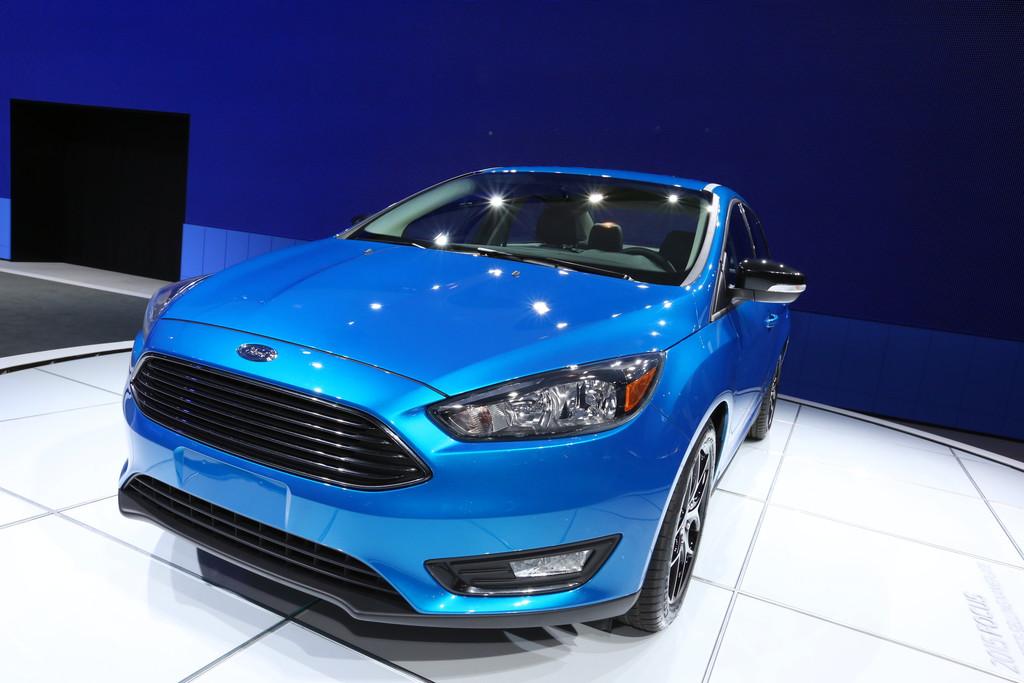 Der neue Ford Focus mit vier Türen auf der New York Auto Show 2014