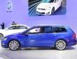 Dunkelblauer VW Golf SportWagen auf der New York Auto Show 2014