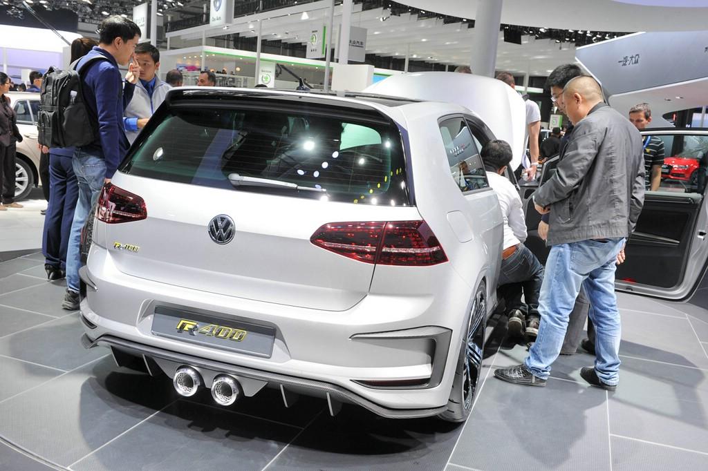 VW Golf R 400 auf der Pekinger Automesse Auto China 2014