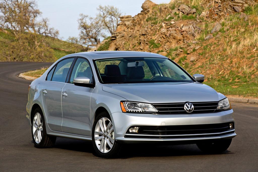 Der Volkswagen Jetta in der US-Version in silber