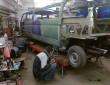 Arbeiten an der Stretch-Limousine auf Volkswagen T3