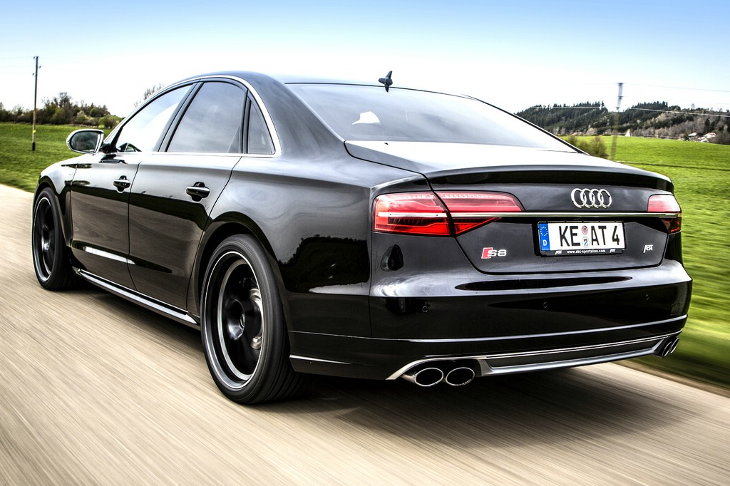 Abt Audi S8 in schwarz mit 21 Zoll Felgen
