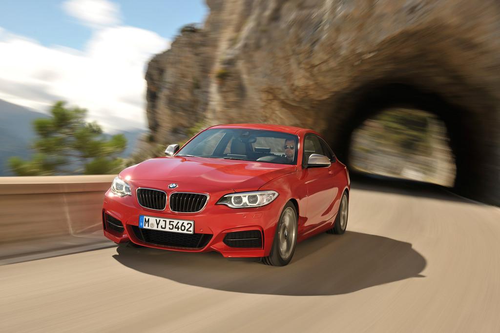 Der BMW M235i Coupé leistet 326 PS und ist bald als Allrad verfügbar