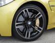 BMW M4 Typ Pilot Super Sport Reifen am Fahrzeug