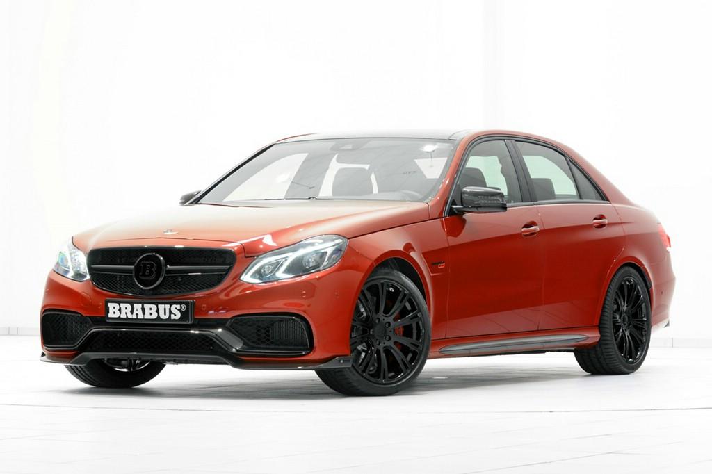 Roter BRABUS 850 6.0 Biturbo auf Basis des Mercedes E 63