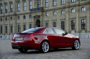 Standaufnahme vom roten Cadillac ATS