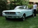 Gail Wise und ihr Ford Mustang von 1964.