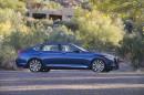 Fotoaufnahme vom Hyundai Genesis von der Seite