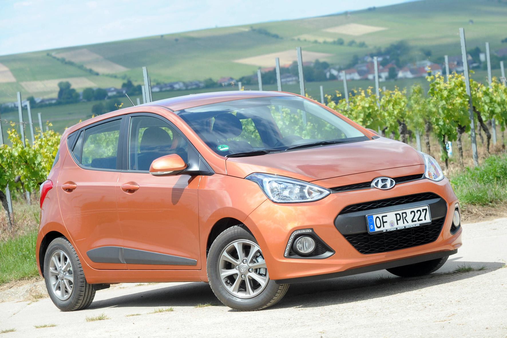 Standaufnahme vom neuen (2014) Hyundai i10 in orange