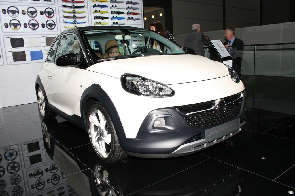 Opel Adam Rocks in weiß auf der Leipziger Automesse AMI 2014