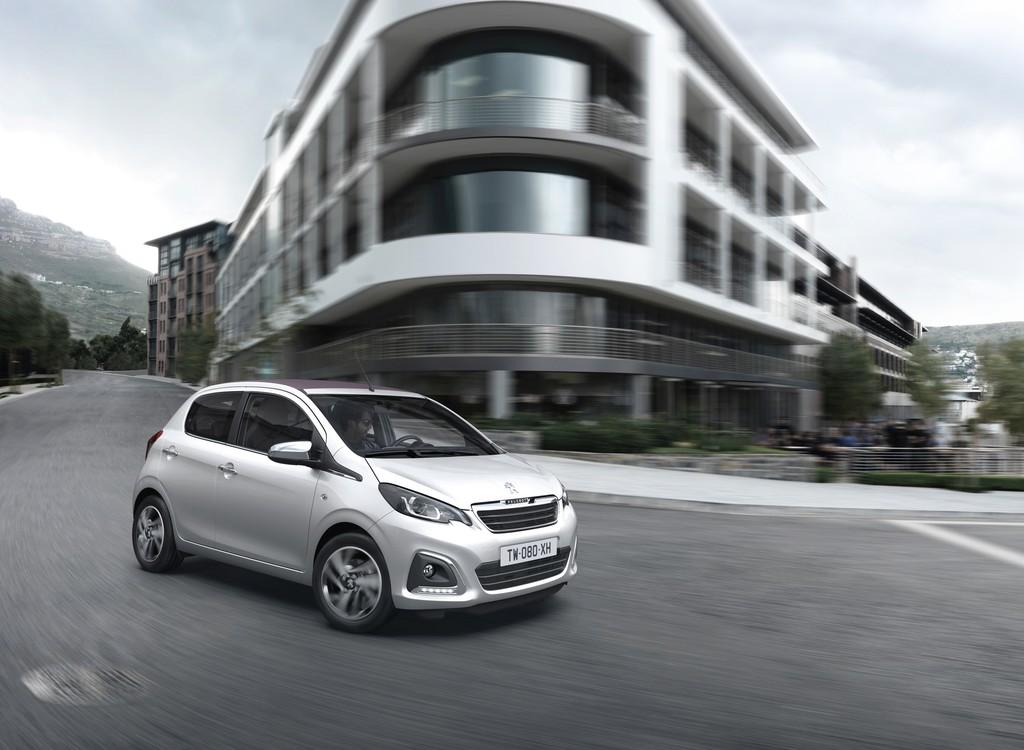 Peugeot Kleinstwagen 108 als Fünftürer in weiß