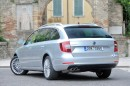 Die Heckpartie des Skoda Superb 2.0 TDI Green tec DSG