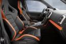 Der Innenraum des Volkswagen Amarok Power mit Nappaleder in orange/schwarz