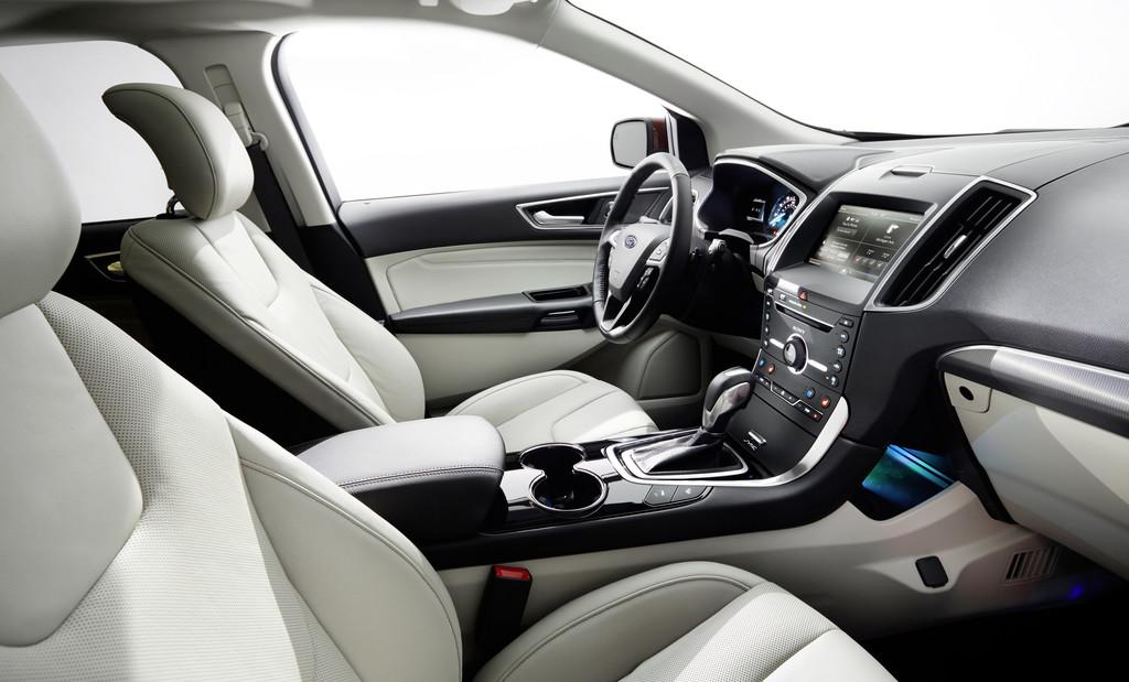 Luxusausstattung im 2015 Ford Edge