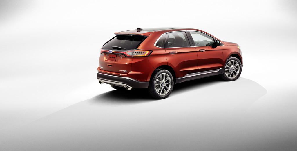 Roter Ford Edge in der Ausstattungsvariante Titanium