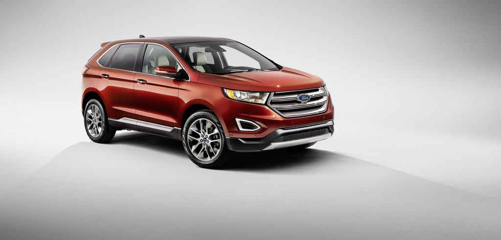 Ford Edge in der Ausstattung Titanium in rot