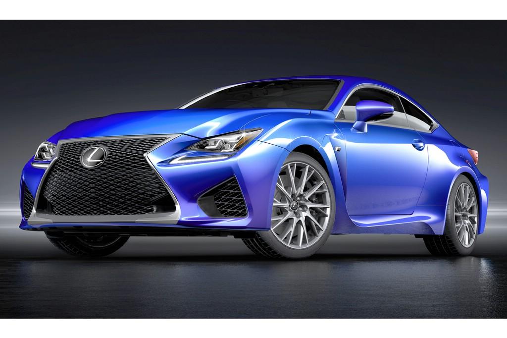 Standaufnahme von einem blauen Lexus RC F