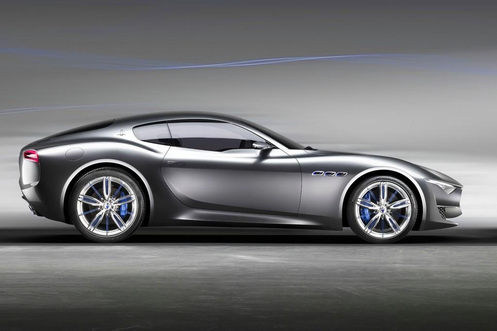 Sportwagen der Marke Maserati in der Seitenansicht