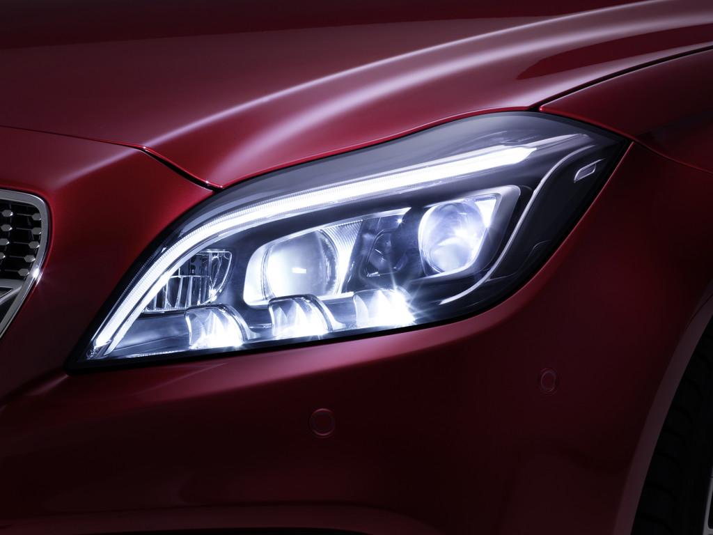 Multibeam-LED-Scheinwerfer von Mercedes-Benz bei der CLS-Klasse