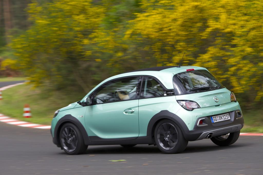 Mini Crossover Modell Opel Adam Rocks bei den Tests in Dudenhofen