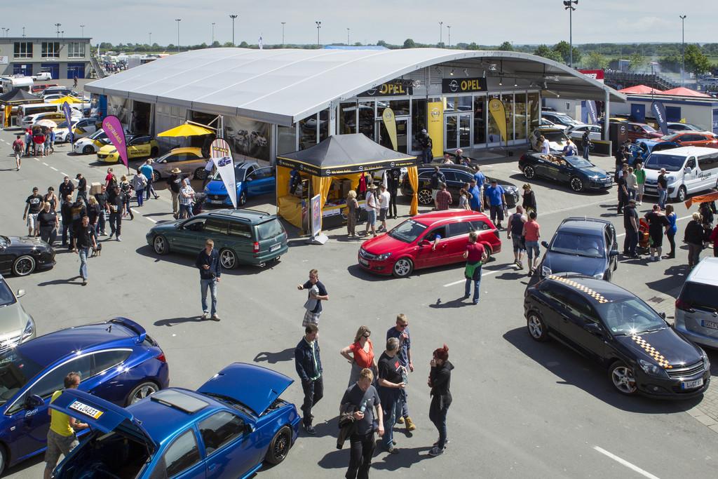 Das Opel-Treffen in Oschersleben im Jahre 2014