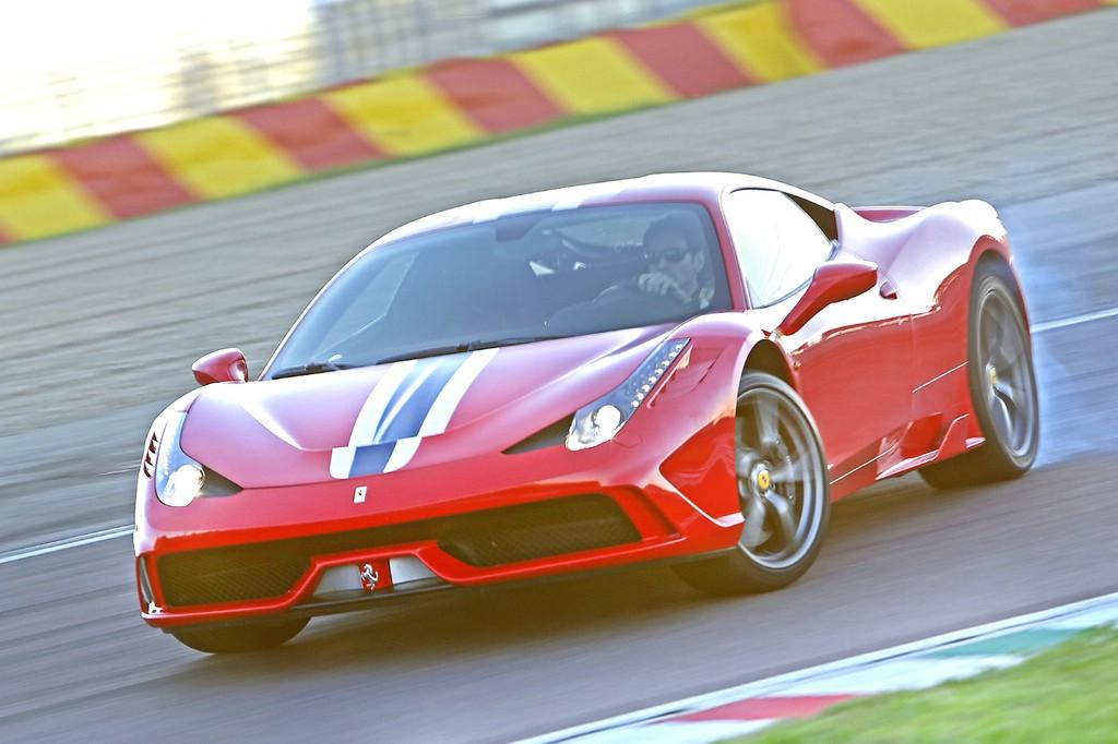 Der Ferrari V8 verrichtet im 458 Speciale seinen Dienst.