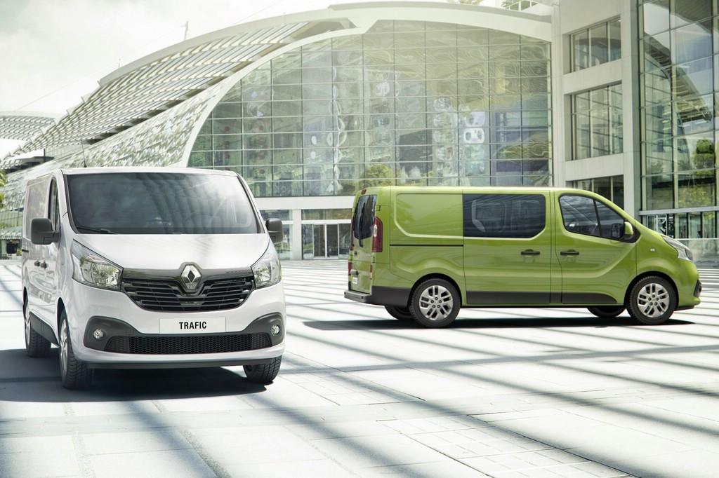 2014 Renault Trafic in den Farben grün und weiß