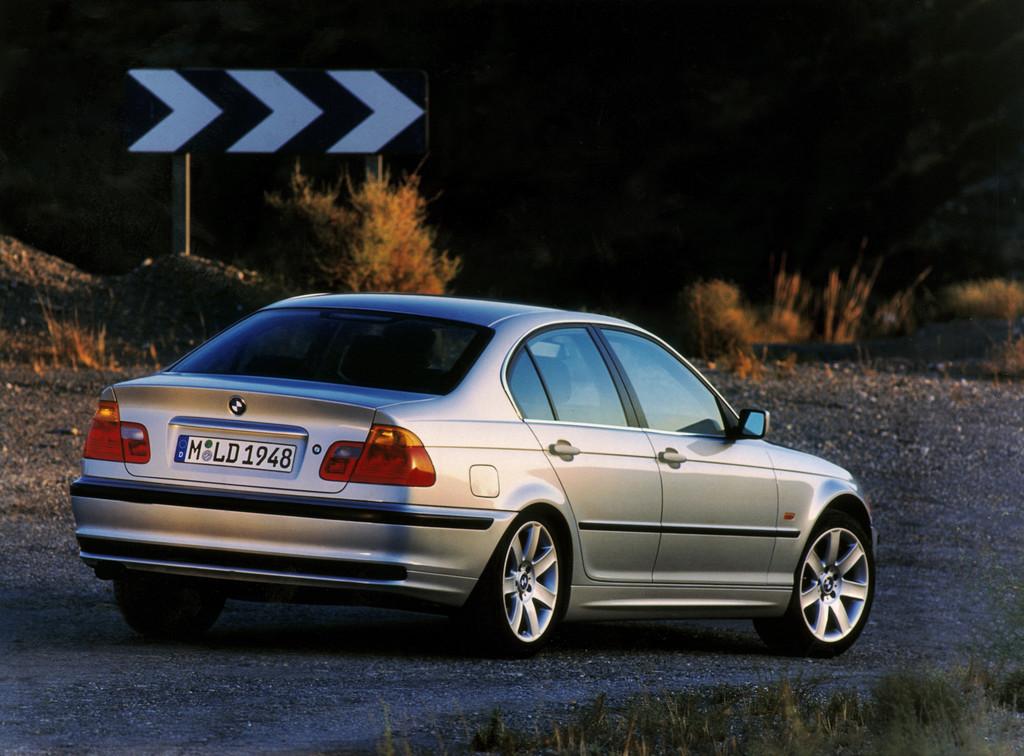 BMW 3er E46 als Limousine (Bauzeit 1999 - 2006).