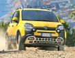 Gelber Fiat Panda Cross auf Schotter, fotografiert von vorne